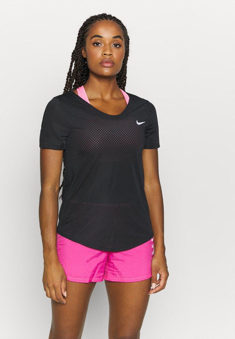 Nike Performance - BREATHE - Print T-shirt - black/silver