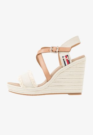 FRINGES HIGH WEDGE  - Sandály na vysokém podpatku - ivory