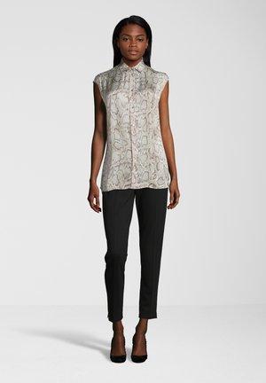 BLUSE IM SNAKE-PRINT - Button-down blouse - dark grey