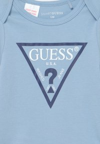 Guess - CORE - Baby gifts - frosted blue - 2