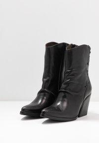 Felmini - MARGARET - Cowboy/biker ankle boot - belga black - 4