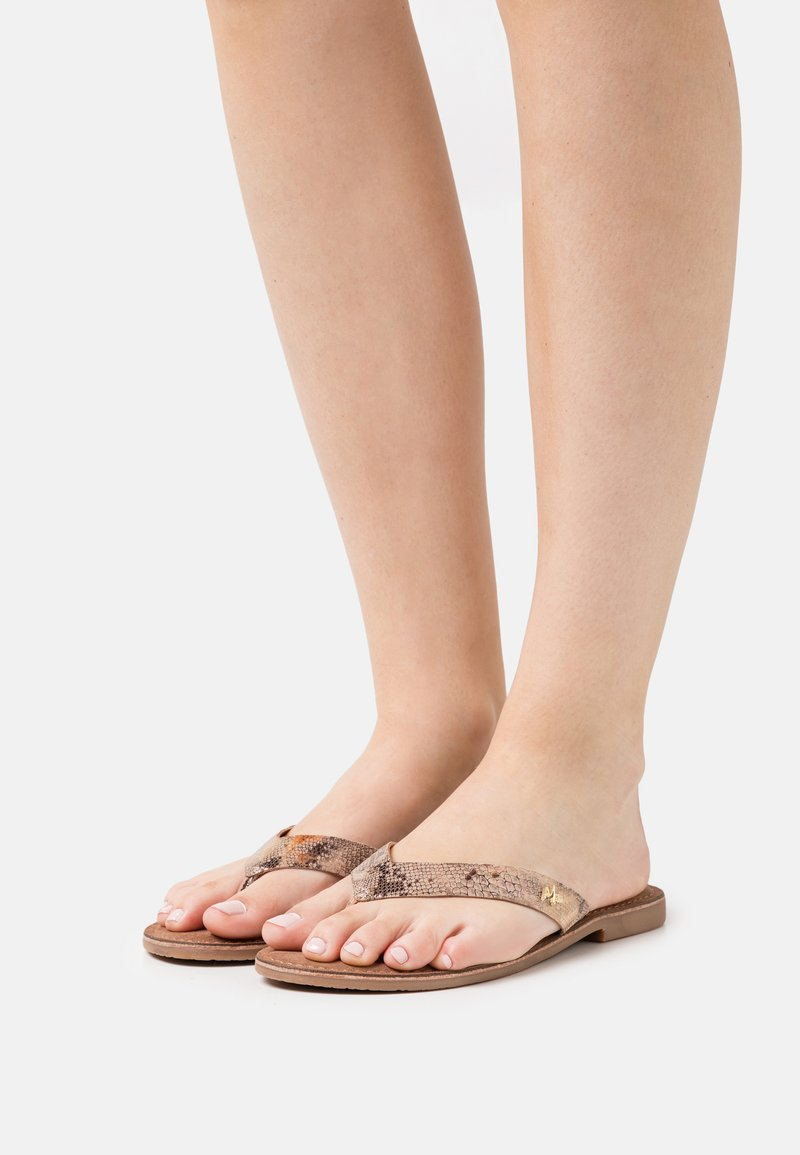 Mexx - GRIZZLY - Teensandalen - offwhite