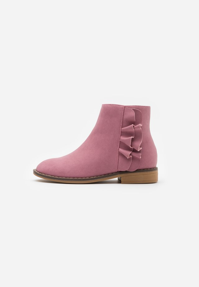 RUFFLE ANKLE BOOT - Classic ankle boots - vintage berry