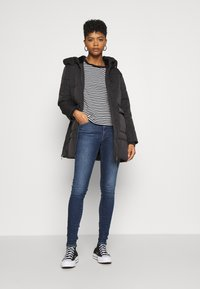 Tommy Jeans - SYLVIA SUPER - Jeans Skinny Fit - lund dark blue - 1