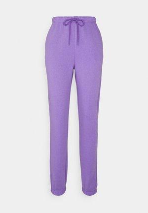 PCCHILLI PANTS - Teplákové kalhoty - dahlia purple