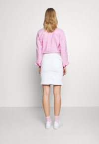 Tommy Jeans - CLASSIC SKIRT  - Pencil skirt - candle white - 2