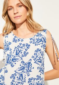 comma - Blouse - white two tone flowers - 4
