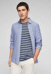 s.Oliver - Print T-shirt - blue stripes - 3