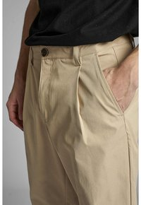 Anerkjendt - ANTWILL PANTS - Pantalones chinos - incense - 3