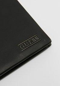 Guess - NEW BOSTON BILLFOLD COIN - Portafoglio - black - 2