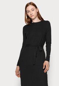 Vero Moda Tall - VMNAVA TIE ANKLE DRESS - Maxi dress - black - 3