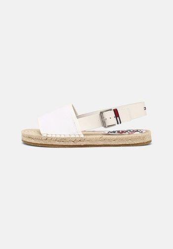 ESSENTIAL FLAT - Sandals - white