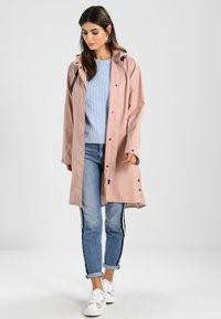 Ilse Jacobsen - TRUE RAINCOAT - Parka - adobe rose - 1