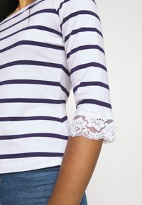 Anna Field Petite - Print T-shirt - white/dark blue - 5