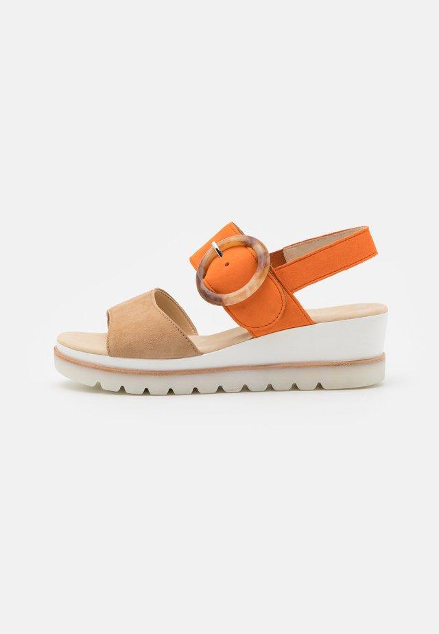 Platform sandals - caramel/orange