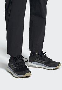 adidas Performance - TERREX FREE HIKER PRIMEBLUE WANDERSCHUH - Fjellsko - black - 0