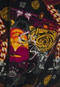 MUCHACHOMALO - THUGY 3 PACK - Pants - black/purple - 8