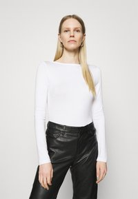 Anna Field - Langærmede T-shirts - white - 0