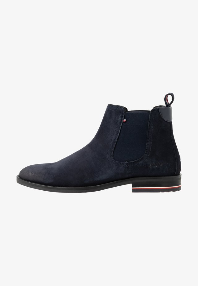 SIGNATURE CHELSEA - Classic ankle boots - desert sky