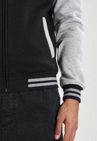 Urban Classics - 2-TONE ZIP HOODY - Zip-up hoodie - black/grey - 5