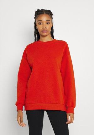 BASIC OVERSIZED - Sweatshirt - fiery red