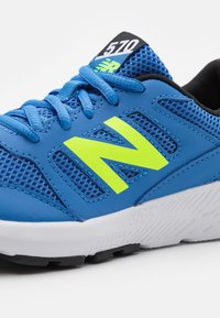 New Balance - YK570 UNISEX - Neutral running shoes - blue - 5