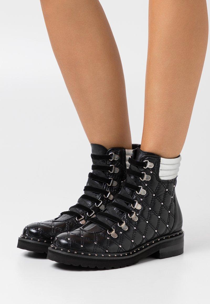 Melvin & Hamilton - BONNIE  - Lace-up ankle boots - black/silver