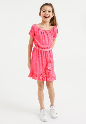 MET STIPPENDESSIN EN VOLANT - Day dress - pink