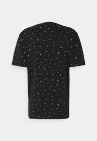 Scotch & Soda - CLASSIC CREWNECK - Print T-shirt - black - 1