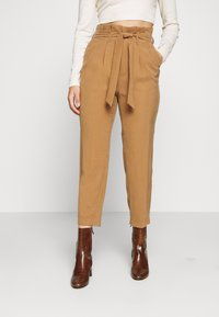 ONLY Petite - ONLSURI AINA PANTS - Trousers - toasted coconut - 0