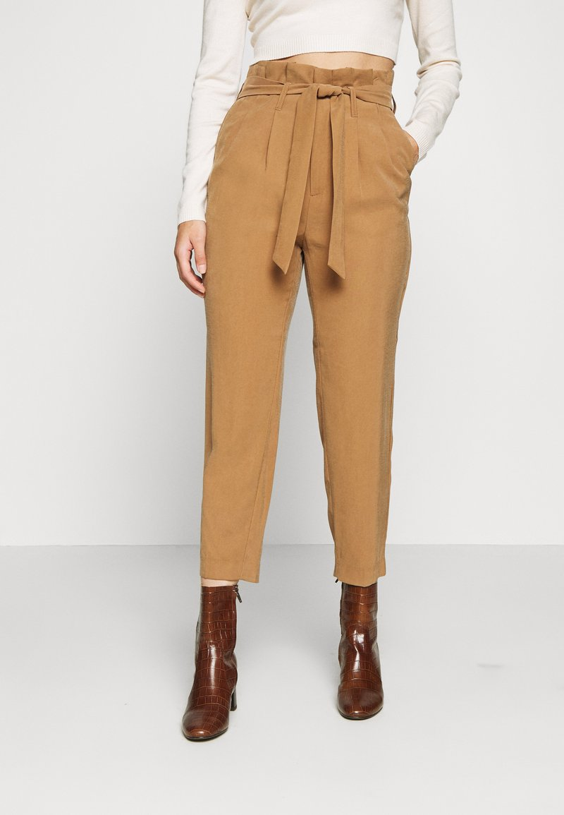 ONLY Petite - ONLSURI AINA PANTS - Trousers - toasted coconut