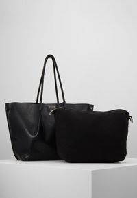 Steffen Schraut - KATE - Shopping bags - black - 5