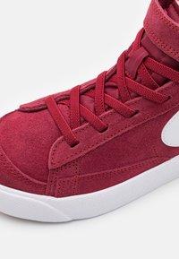 Nike Sportswear - BLAZER MID '77 UNISEX - Sneakers hoog - team red/white/black - 5