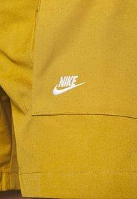 Nike Sportswear - REISSUE - Shorts - wheat/sail - 5