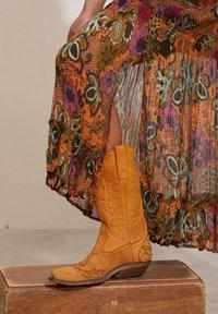 Odd Molly - A-line skirt - apricot tan - 3