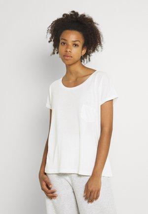VMLUA TEE - Print T-shirt - snow white