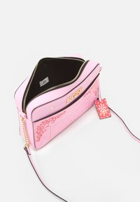 River Island - Across body bag - pink bright - 2