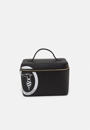 PRE LOGO POP TRAVEL BEAUTY CASE - Wash bag - black