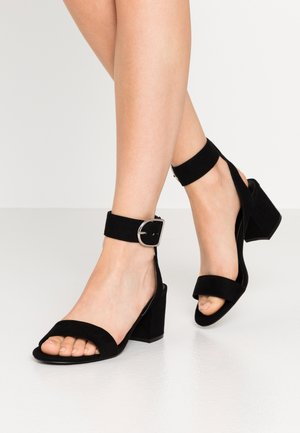 WIDE FIT - Riemensandalette - black