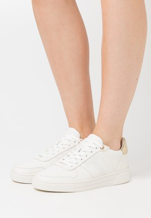SOSIE - Zapatillas - white