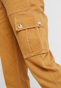 Miss Selfridge - NEW CARGO POCKET TROUSER - Trousers - sand - 6
