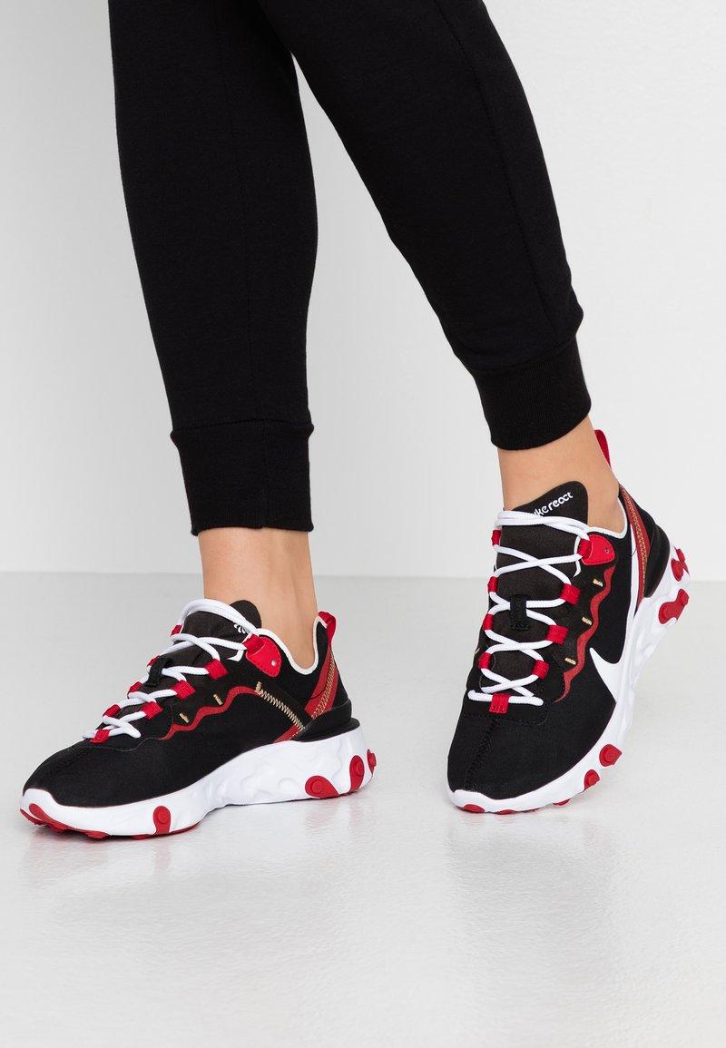 Nike Sportswear - REACT 55 - Sneaker low - black/white/gym red/metallic gold
