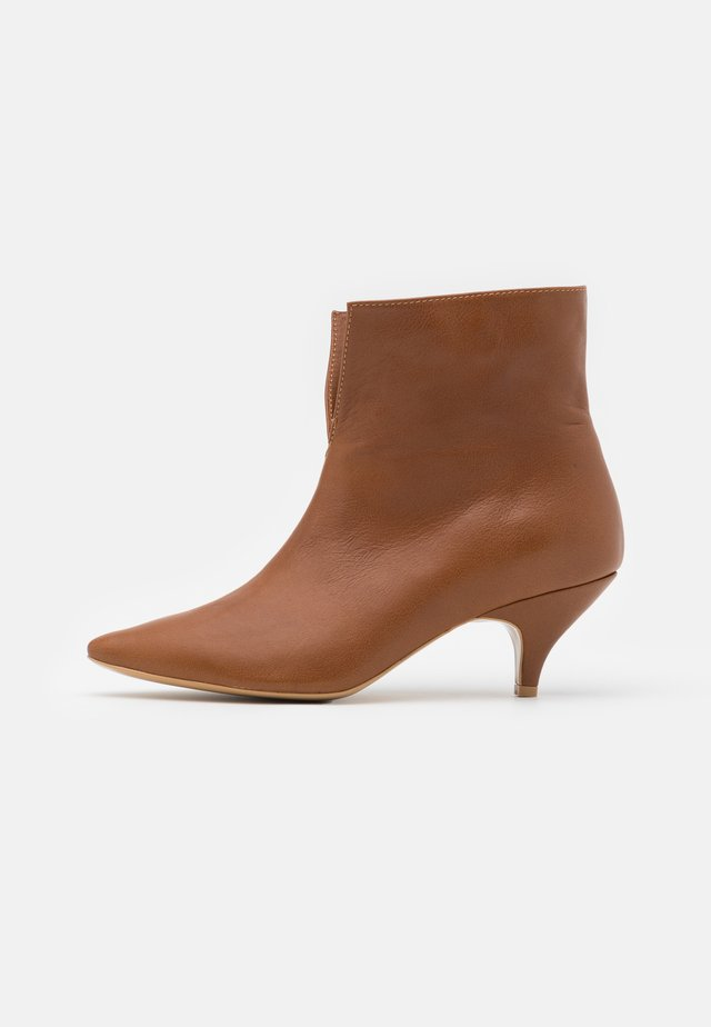 DO IT FOR MYSELF - Classic ankle boots - brown