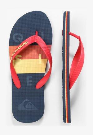 MOLOKAI WORD BLOCK - SANDALEN FÜR MÄNNER AQYL100986 - Pool shoes - red/blue/red