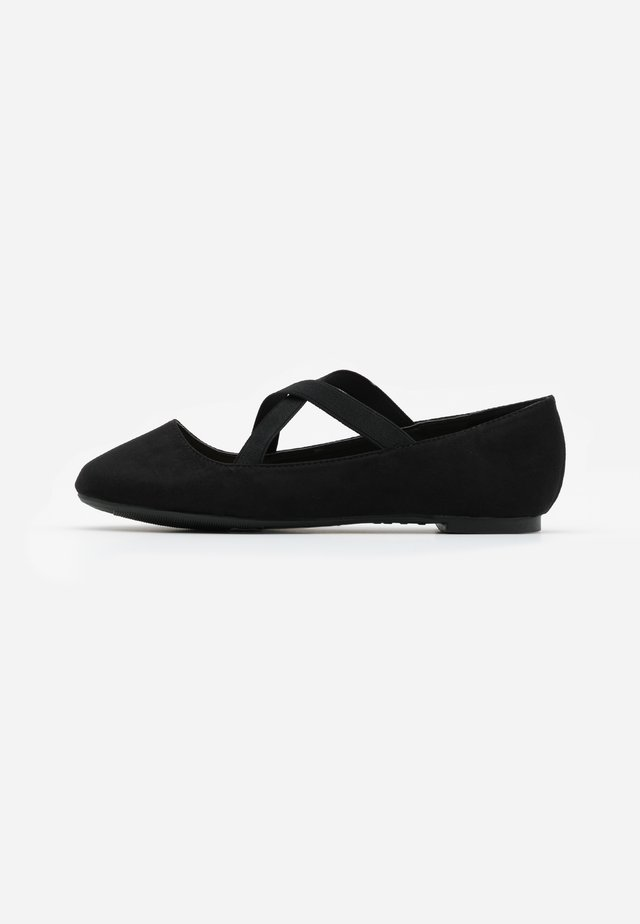 WIDE FIT - Ballerina med reim - black