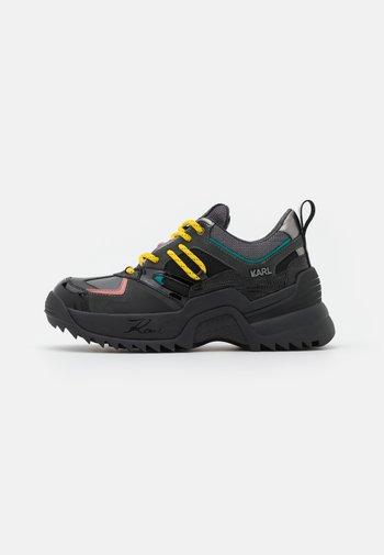 QUEST DELTA MIX - Trainers - dark grey/multicolor