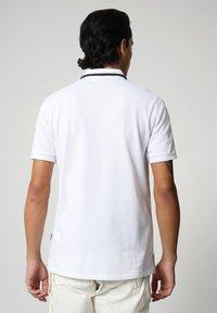 Napapijri - GANDY - Polo shirt - bright white - 2