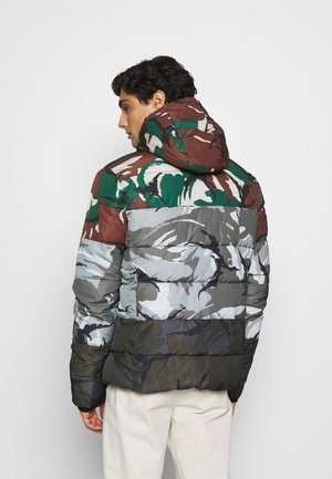 CAMO MIX SPORTS PUFFER - Kurtka zimowa - multi-coloured
