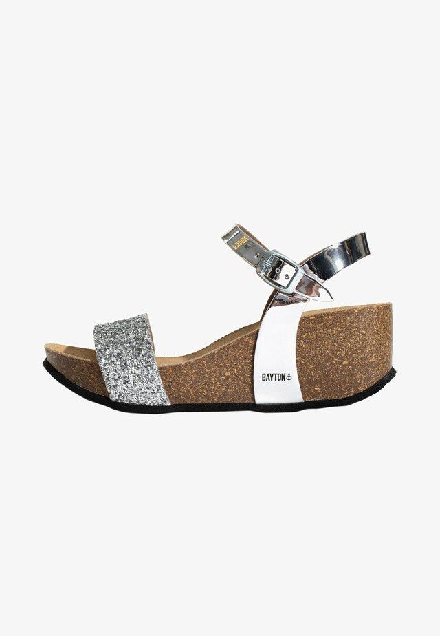Sandales à plateforme - silver