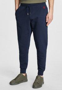 Timberland - Pantalones deportivos - dark sapphire - 0